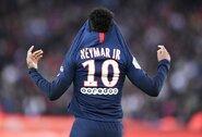 """L.Messi: """"Kai kurie komandos atstovai nenori, jog Neymaras sugrįžtų rungtyniauti į """"Barceloną"""""""