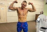 """MMA atstovas apie teisėjui trenkusį R.Širokovą: """"Nemanau, kad jis drįstų tai padaryti profesionaliam kovotojui"""""""