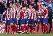"""""""Atletico"""" žaidėjai ir D.Simeone 70% susimažino algas ir padėjo išmokėti 430 darbuotojų atlyginimus"""