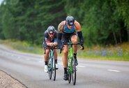 Irkluotojai išbandė jėgas triatlono varžybose