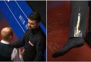 Pasaulio snukerio čempionate – konfliktas tarp žaidėjų ir kava apsipylęs N.Robertsonas