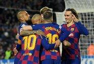 """""""Barcelona"""" žaidėjai nesutinka dar kartą susimažinti algų"""