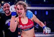 """Lietuvių kilmės kanadietė kovotoja J.Jasudavicius: """"Kuo daugiau lietuviškų pavardžių UFC, tuo smagiau"""""""
