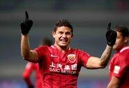 Kinijos rinktinė pirmą kartą savo istorijoje pasikvietė į sudėtį ne šioje šalyje gimusį futbolininką