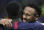 """87-ąją minutę įvartį pelnęs Neymaras išplėšė PSG pergalę prieš """"Lyon"""""""