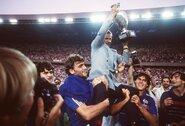 Anapilin iškeliavo prancūzus link Europos futbolo čempionų titulo atvedęs treneris
