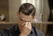 C.Ronaldo nesulaikė ašarų išvydęs dar neregėtą savo mirusio tėvo vaizdo įrašą