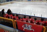 Lietuvos ledo ritulininkės po įtemptos kovos pralaimėjo čempionato šeimininkėms