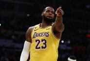 """NBA legenda: """"LeBronas yra šio sezono MVP"""""""