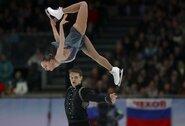 """Rusai """"susišlavė"""" visus medalius, A.Boikova ir D.Kozlovskij buvo šalia pasaulio rekordo"""