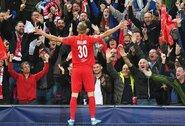 """Įspūdinga: 19-metis """"Salzburg"""" talentas debiutinėse Čempionų lygos rungtynėse pelnė tris įvarčius ir pakartojo seną W.Rooney pasiekimą"""