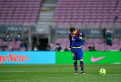 """""""Barcelona"""" susiduria su sunkumais bandant užregistruoti naujokus: L.Messi gali tekti nežaisti futbolo iki sausio mėnesio"""