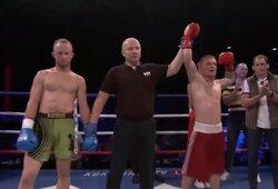 Dominavęs E.Petrauskas lenką pasiuntė į nokdauną ir iškovojo dar vieną įtikinamą pergalę profesionaliame bokse