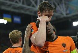 Įspūdingoje penkių įvarčių dramoje Nyderlandai sugrįžimą į Europos čempionatą paženklino pergale prieš Ukrainą