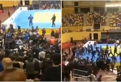 Masinės muštynės jaunimo dziudo turnyre Dagestane: pliekėsi ir kovotojai, ir žiūrovai