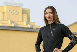 Baltarusijos lengvaatletė šaukiasi pagalbos: už trenerių kritiką prievarta deportuojama iš Tokijo, sportininkė prašo politinio prieglobsčio Europoje