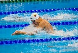 A.Šidlauskas prasibrovė į 100m krūtine pusfinalį, 250 m lyderiavęs D.Rapšys neišlaikė tempo ir liko už finalo borto, G.Titeniui olimpinės žaidynės jau greičiausiai baigtos