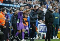 """""""Tottenham"""" žaidėjai padarė viską, ką galėjo, kad širdies infarktą tribūnose patyręs sirgalius būtų išgelbėtas"""