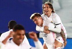 """El Clasico"" mūšyje triumfavęs ""Real"" klubas ""La Liga"" pirmenybėse pagal taškus pavijo lyderį ""Atletico"""