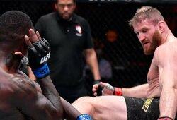 UFC pussunkio svorio kategorijos čempiono titulą apgynęs J.Blachowiczas privertė I.Adesanya patirti pirmą karjeros pralaimėjimą