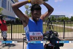"""N.Lylesas akimirkai šokiravo pasaulį: """"sutriuškino"""" U.Bolto rekordą startavęs klaidingame takelyje"""