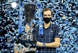 """Tris geriausius pasaulio tenisininkus per savaitę nugalėjęs D.Medvedevas – """"ATP Finals"""" čempionas"""