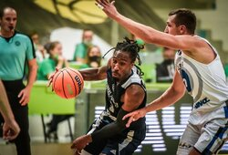 """Rungtynių pabaigoje daugiau nei 4minutes taškų nepelnęs """"Neptūnas"""" pralaimėjo """"Cmoki"""" ir šį sezoną nežais FIBA Čempionų lygoje"""