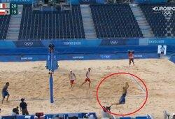 Neįtikėtina: į varžovų aikštės pusę išbėgę italai laimėjo tašką olimpiadoje