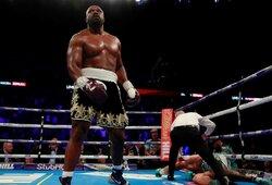 Vienas įspūdingiausių šių metų bokso nokautų: D.Chisora privertė susmukti buvusį pretendentą į WBC sunkiasvorių čempiono titulą