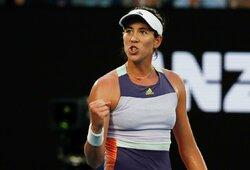 """E.Svitolina """"Australian Open"""" turnyrą baigė triuškinančiu pralaimėjimu, S.Halep pateko į aštuntfinalį"""