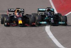Taktiniu manevru L.Hamiltoną aplenkęs M.Verstappenas pirmą kartą karjeroje laimėjo JAV GP lenktynes