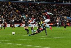 """Staigmena Anglijoje: """"Aston Villa"""" išmetė """"Leicester City"""" iš lygos taurės ir pateko į finalą"""