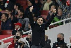 """""""Arsenal"""" išrašė """"Aston Villa"""" trečią pralaimėjimą iš eilės"""