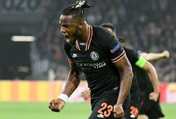 """Pamirštas herojus: M.Batshuayi vėlyvu įvarčiu išplėšė """"Chelsea"""" pergalę Čempionų lygoje"""