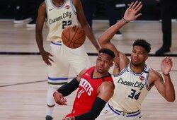 """61 tritaškį išmetusi """"Rockets"""" palaužė NBA lyderius"""