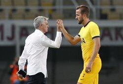 """Kuriozas Makedonijoje: """"Tottenham"""" vartininkas laiku pastebėjo per mažus vartus"""