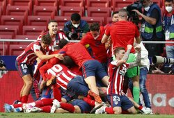 """Per 6 minutes 2 įvarčius pelnęs ir dramatišką pergalę išplėšęs """"Atletico"""" – per žingsnį nuo """"La Liga"""" čempiono titulo"""