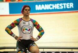 """Translytis sportininkas """"sumušė"""" moterų pasaulio rekordą ir įsiutino sporto gerbėjus"""