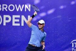 Antrajame sete prabudęs R.Berankis pergalingai pradėjo ATP 500 serijos turnyro kvalifikaciją