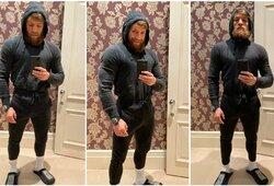 """Dar daugiau raumenų užsiauginęs C.McGregoras privertė sunerimti savo gerbėjus: """"Jis visai neturės ištvermės"""""""