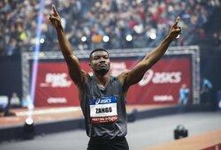 Krito 10 metų gyvavęs pasaulio rekordas: H.F.Zango nušoko daugiau nei 18 metrų
