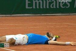 """Antras ilgiausias mačas """"Roland Garros"""" istorijoje: C.Moutet ir L.Giustino kovėsi daugiau nei 6 valandas"""