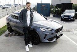 """""""Barcelonos"""" futbolininkai išsidalino automobilius: L.Messi nepasirodė, A.Fati negali laikyti vairavimo egzamino"""