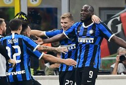 """Milano derbyje triumfavo """"Inter"""" futbolininkai"""