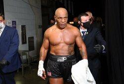 """D.White'as nesutiko su teisėjais: """"Mane pribloškė tai, kaip gerai M.Tysonas atrodė"""""""