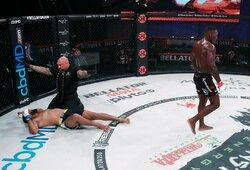Po ketverių metų pertraukos į MMA sugrįžęs A.Johnsonas buvo arti pralaimėjimo, bet galiausiai nokautavo Y.Romero pakeitusį J.Augusto