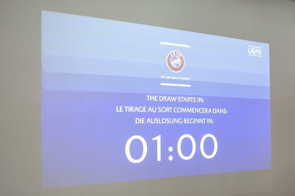 UEFA Čempionų lygos burtų traukimo ceremonijos stebėjimas Marijampolėje