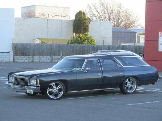 """1975 m. """"Chevy Impala"""", 2019 m. vertė - 31 tūkst. JAV dolerių"""