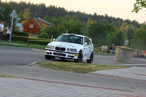 """""""RR Team"""" ekipažas """"Rally Žemaitija"""" varžybose nusileido tik savo pačių kurtam automobiliui"""