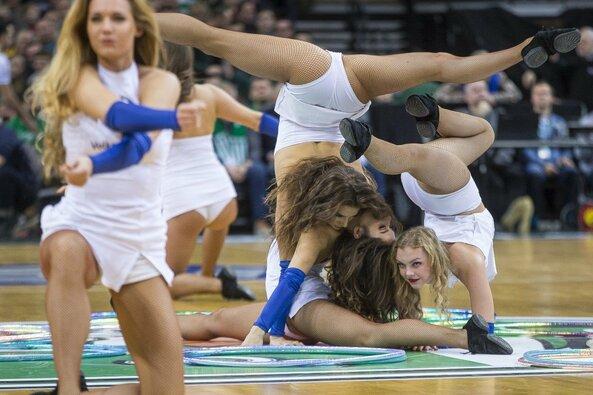 """""""Žalgirio"""" šokėjų pasirodymas rungtynėse su """"Valencia"""""""